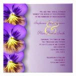 Pensamientos púrpuras bonitos que casan la invitac comunicado personalizado