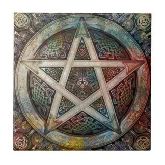Pentáculo pagano hermoso y colorido azulejo cuadrado pequeño