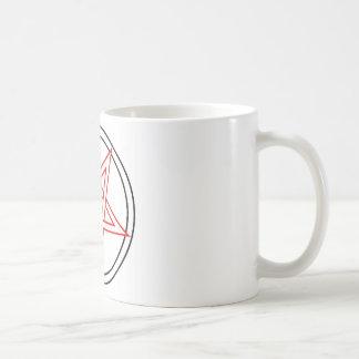 Pentáculo rojo y negro invertido taza básica blanca