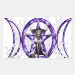 Pentáculo triple púrpura de la diosa de la luna de rectangular pegatina