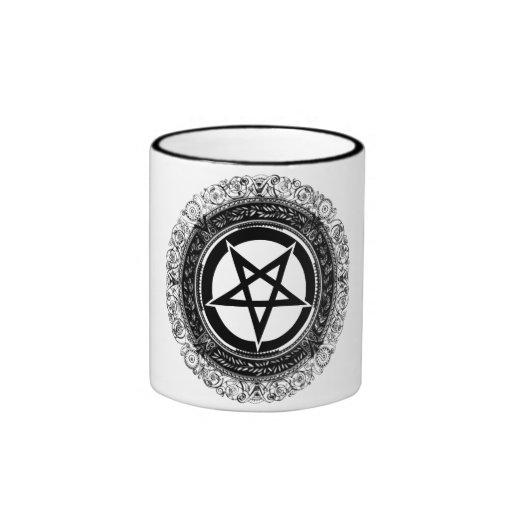 Pentagram adornado taza