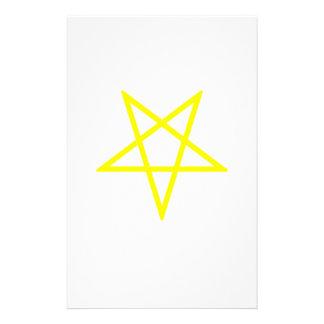 Pentagram amarillo invertido papelería personalizada