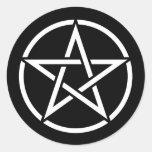 Pentagram blanco en negro etiqueta redonda