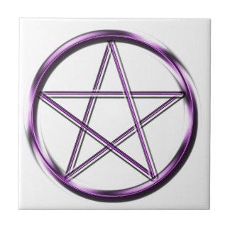 Pentagram púrpura en blanco azulejo cuadrado pequeño