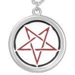 Pentagram rojo colgante