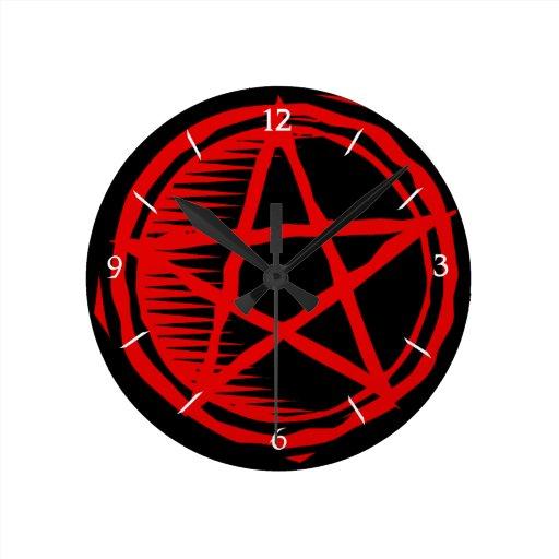 Pentagram rojo reloj redondo mediano