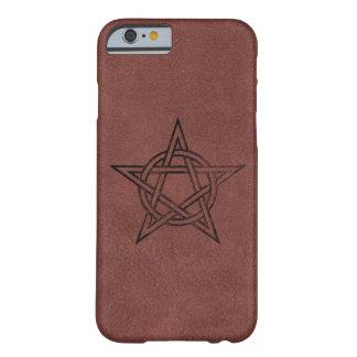 Pentagram - símbolo mágico pagano en el cuero rojo funda de iPhone 6 slim