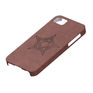 Pentagram - símbolo mágico pagano en el cuero rojo funda para iPhone 5 barely there