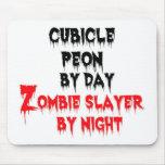 Peon del cubículo del asesino del zombi del día po tapetes de ratones
