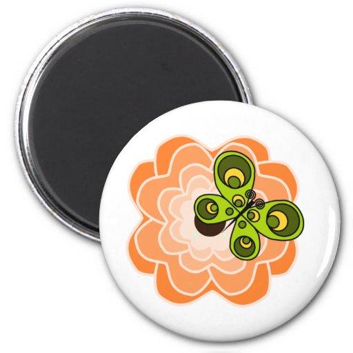 Peony anaranjado con la mariposa imán de frigorifico