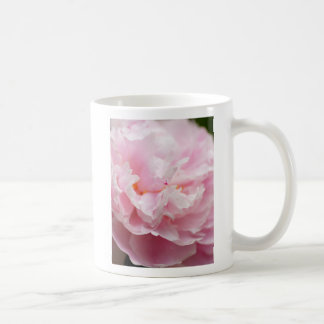 Peony rosado suave taza clásica