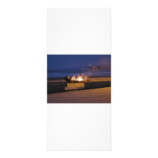 people-on-beach rack card