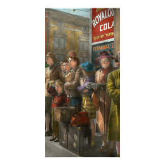 People - People waiting for the bus - 1943 Card