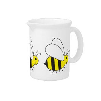 Pequeña abeja divertida de la miel linda jarra