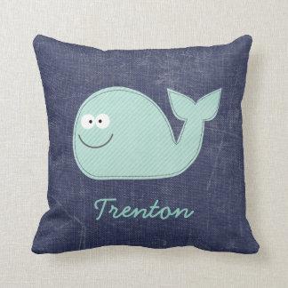 Pequeña almohada personalizada ballena linda del n