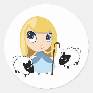Pequeña BO mira furtivamente y sus ovejas Etiqueta Redonda