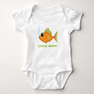 Pequeña camiseta de los pescados del Guppy