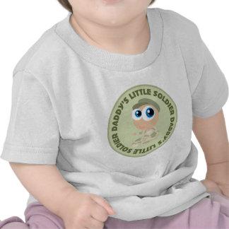 Pequeña camiseta del bebé o del niño del soldado d