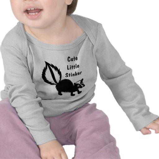 Pequeña cosa maloliente linda - diseño adorable de camisetas