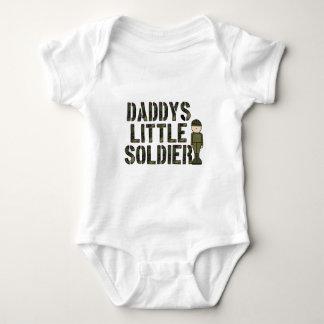 Pequeña enredadera del niño del soldado de Daddys Playeras