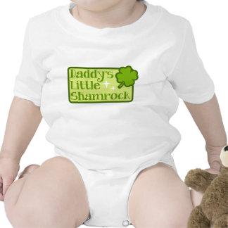 Pequeña enredadera del niño del trébol del papá traje de bebé