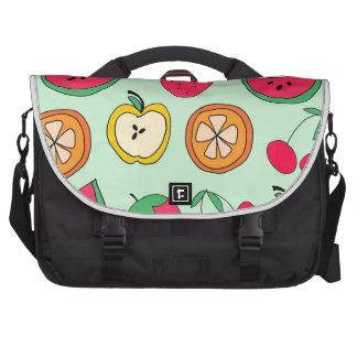 Pequeña ensalada de fruta linda bolsa para ordenador
