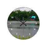 pequeña escena de la Florida del boathouse a travé Relojes