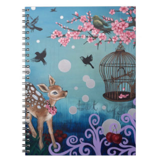 Pequeña gama con las flores de cerezo note book