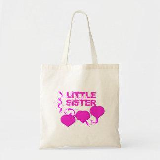 Pequeña hermana (corazones rosados)