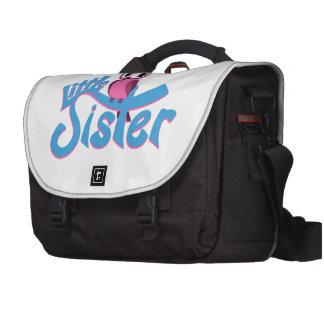 Pequeña hermana del búho rosado bolsas para portatil