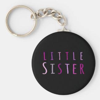 Pequeña hermana en rosa llavero personalizado