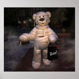Pequeña momia de los osos pequeños poster