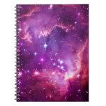 Pequeña nube de Magellanic teñida púrpura Libros De Apuntes Con Espiral