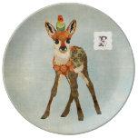 Pequeña placa del monograma del cervatillo y del plato de cerámica