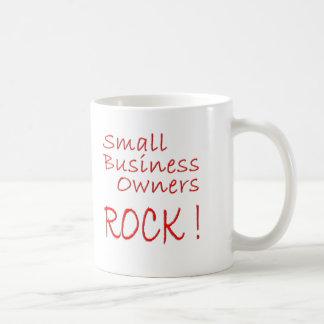 ¡Pequeña roca de los propietarios de negocio! Taza
