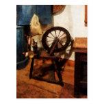 Pequeña rueda de hilado postal