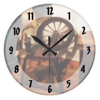 Pequeña rueda de hilado reloj redondo grande