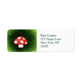 Pequeña seta roja linda etiqueta de remitente