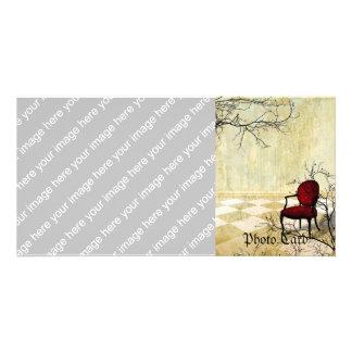 Pequeña silla real con las ramas tarjetas personales
