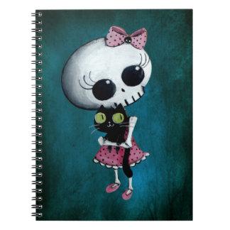 Pequeña Srta. Death - belleza de Halloween Spiral Notebooks
