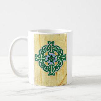 Pequeña taza (combinada) de la cruz céltica