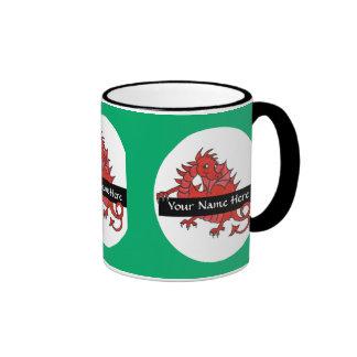 Pequeña taza de café roja linda del dragón a