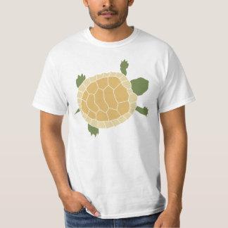 Pequeña tortuga de arrastre linda de la tortuga remeras