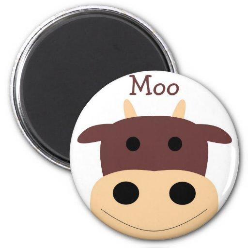 Pequeña vaca marrón linda magnent iman de frigorífico