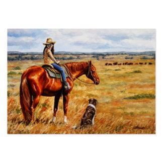 Pequeña vaquera en caballo del ganado tarjetas de visita grandes