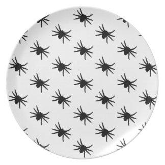 Pequeñas arañas negras plato para fiesta