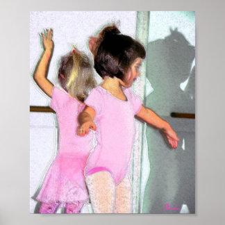 Pequeñas bailarinas póster