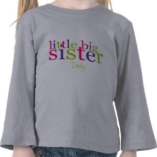 Pequeñas camisetas de la hermana grande