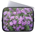 Pequeñas flores púrpuras manga portátil