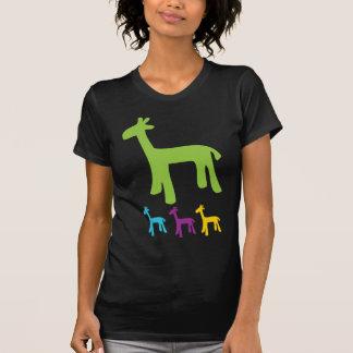 Pequeñas jirafas retras camisetas